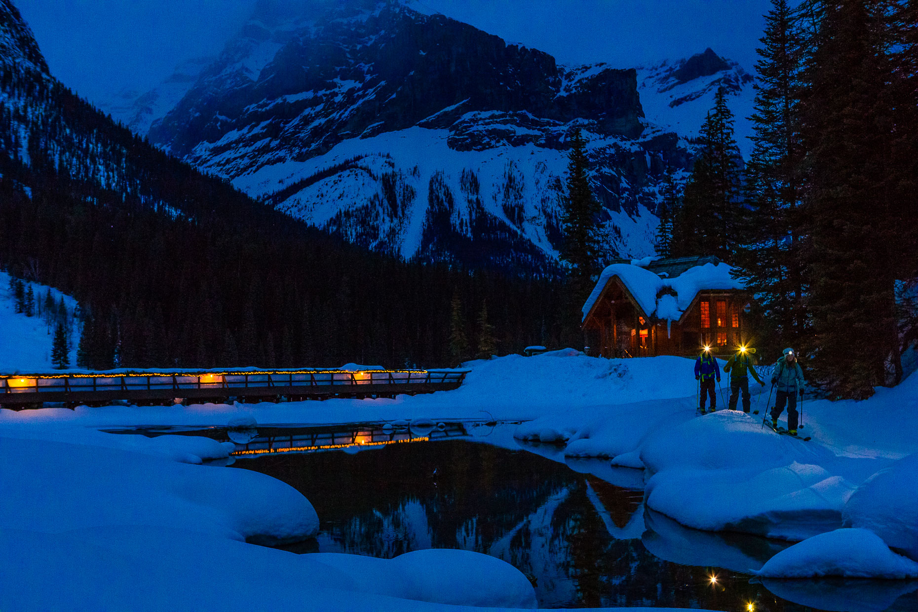 Emerald Lake Lodge, Night, ski touring, 079_55598_GG_434
